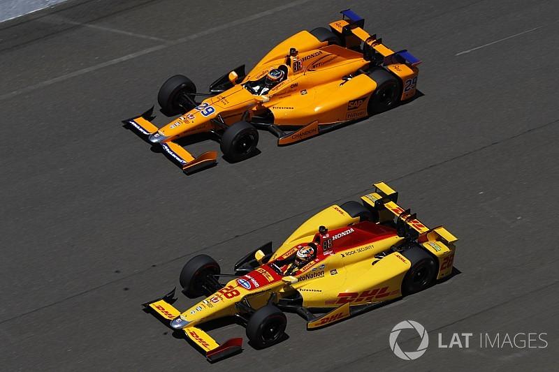 Напарник Алонсо по Indy 500: Мы помогаем друг другу только до старта