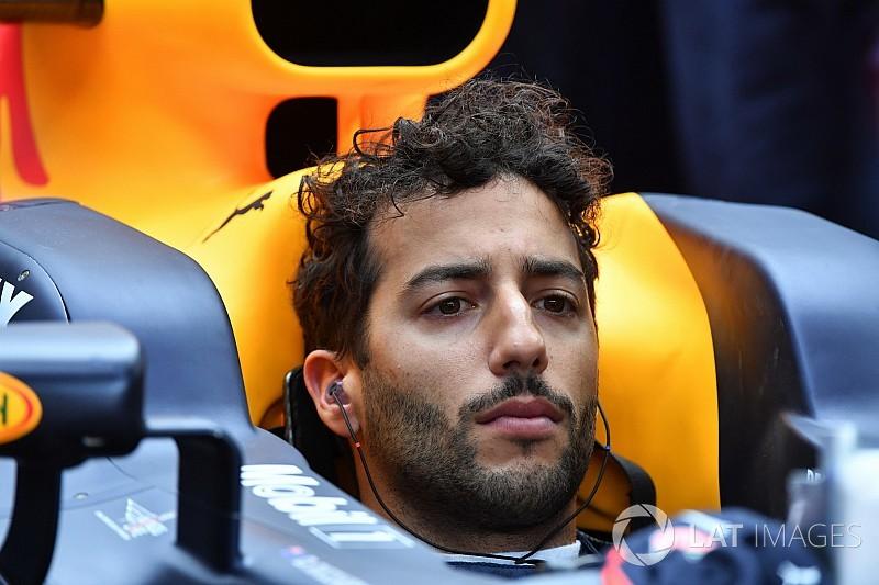 """Ricciardo: Le mauvais début d'année 2017, un """"autre signal d'alarme"""""""