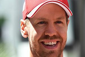 Vettel sorride: