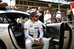 Алонсо пообещал определиться с продолжением карьеры в Ф1 до декабря