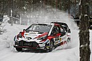 Brutális: 190 km/óra fölött a havas-jeges, szűk úton a WRC-autóval
