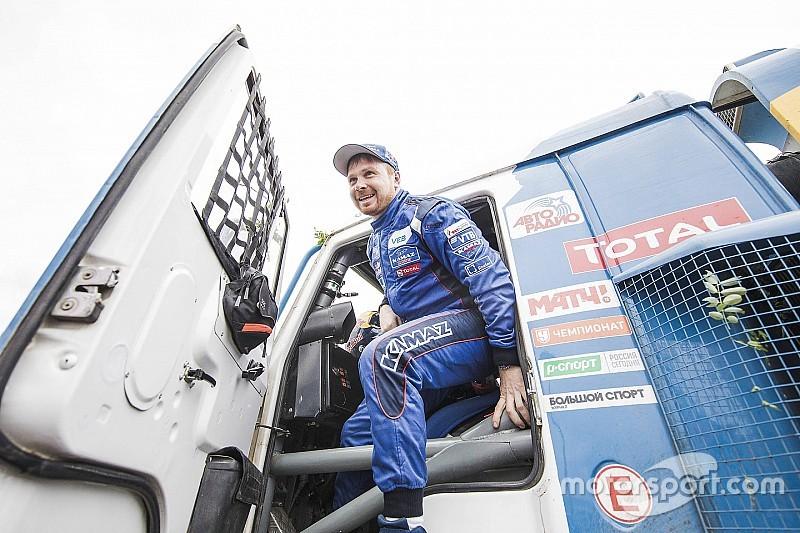Dakar, camiones, etapa 1: el Kamaz de Nikolaev precede al trío de Iveco Powerstar