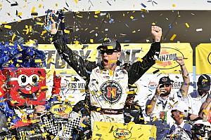 NASCAR Cup Relato da corrida Harvick destrói concorrência e domina prova em Las Vegas