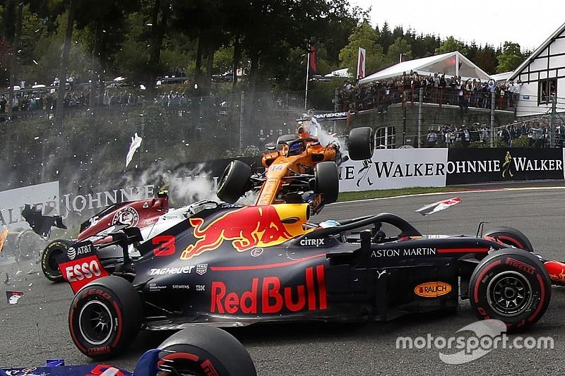 Galeri: Belçika GP start kazasından tüm kareler