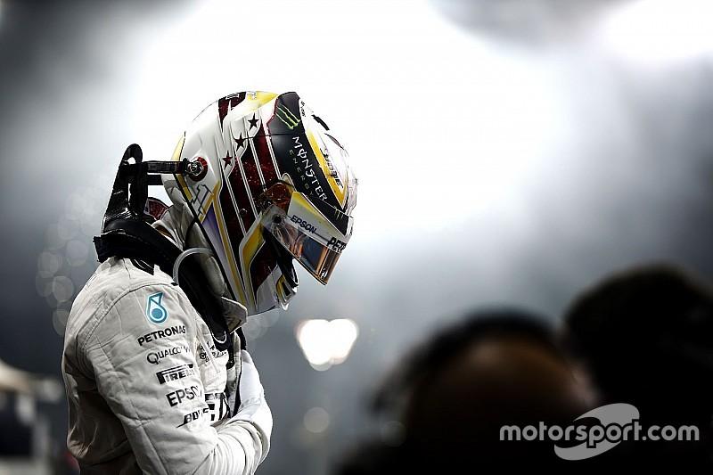 El desafío de Hamilton, un dolor de cabeza para Mercedes en 2017