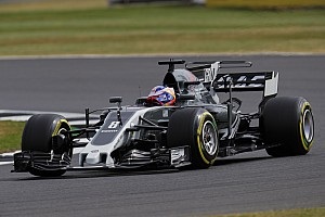 """Formula 1 Breaking news Angry Grosjean """"completely blocked"""" by Hamilton in Q3"""