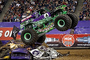 Grave Digger driver Dennis Anderson injured in crash