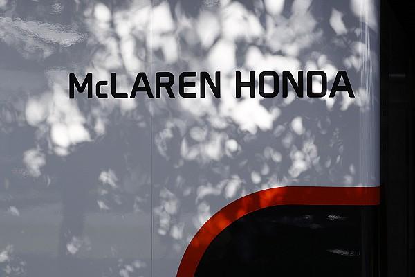 Формула 1 Комментарий Зак Браун опроверг интерес McLaren к моторам Mercedes