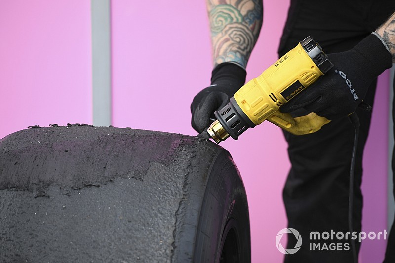 Brawn: Formula 1, Pirelli lastiklerini geliştirmek için çalışmalı