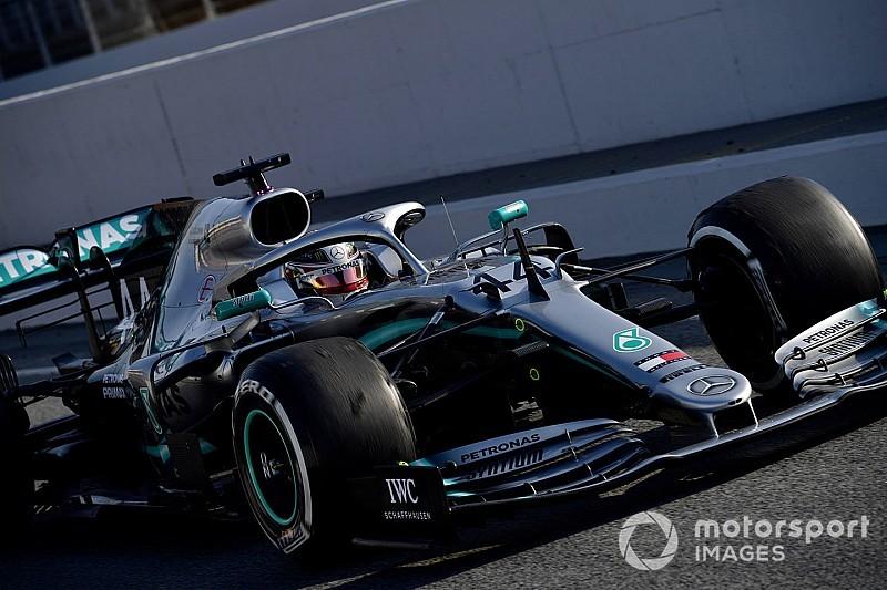 A Mercedes előre tudott lépni a gumik terén, holnap az egykörös tempóra fókuszálnak