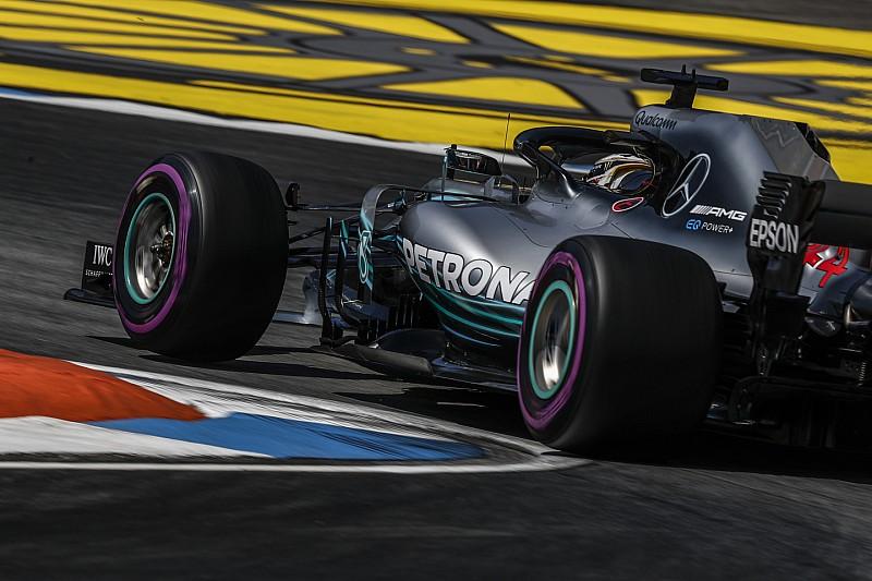 Hamilton azt érzi, nagyon közel van a Ferrari és a Red Bull