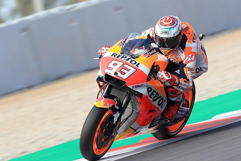 Assen, Libere 1: Marquez precede le due Yamaha di Vinales e Rossi, cade Lorenzo