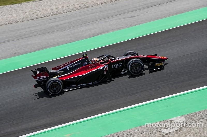 Эйткен выиграл первую гонку в Ф2, а Halo впервые приняла на себя удар