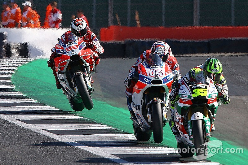 Lorenzo discorda de Crutchlow: Ducati é mais física que Honda