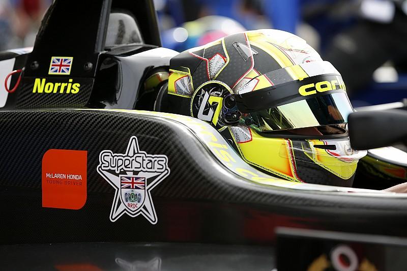 Ландо Норрис впервые протестирует машину Ф1