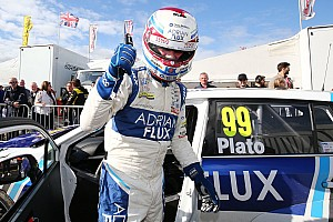BTCC Qualifying report Knockhill BTCC: Plato edges Sutton for first pole in a year