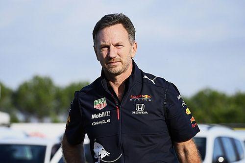 """Horner: """"Problemen met motoren bij Mercedes zeer ongebruikelijk"""""""
