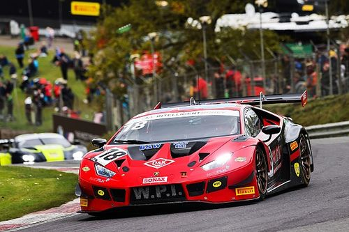 Keen and Igoe star in British GT as spectators return to national events