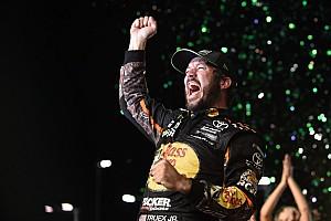 NASCAR Cup Reporte de la carrera Martin Truex Jr. vence a Kyle Busch y se lleva título de la Copa
