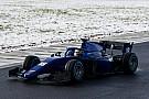 FIA F2 Галерея: тести болідів Ф2 з Halo на засніженій трасі у Франції