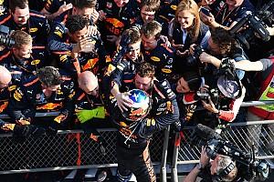 Stop/Go Livefeed Pezsgő és tömeg fogadta a győztes Ricciardót a Red Bullnál