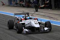 梁嘉彤参加欧洲F3公开赛官方测试