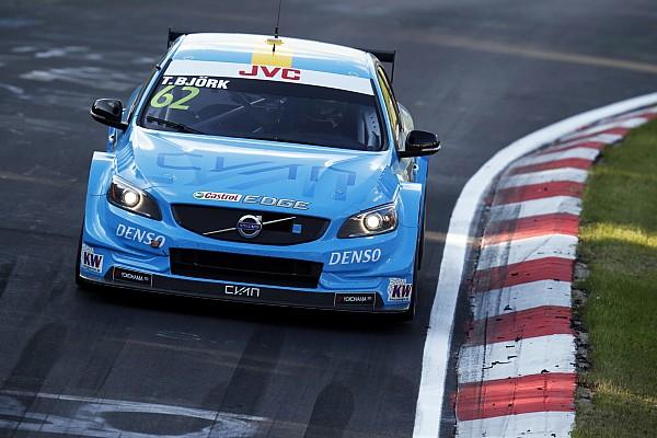 WTCC Yarış raporu Nürburgring WTCC: Bjork 1. yarışı kazandı, Monteiro'nun lastiği patladı