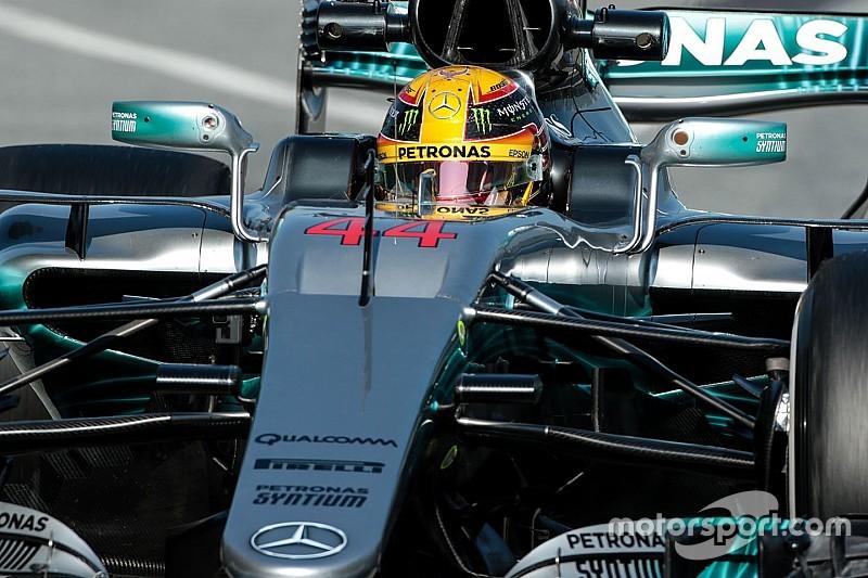 """Hamilton: """"El coche parece mil veces mejor que los demás"""""""