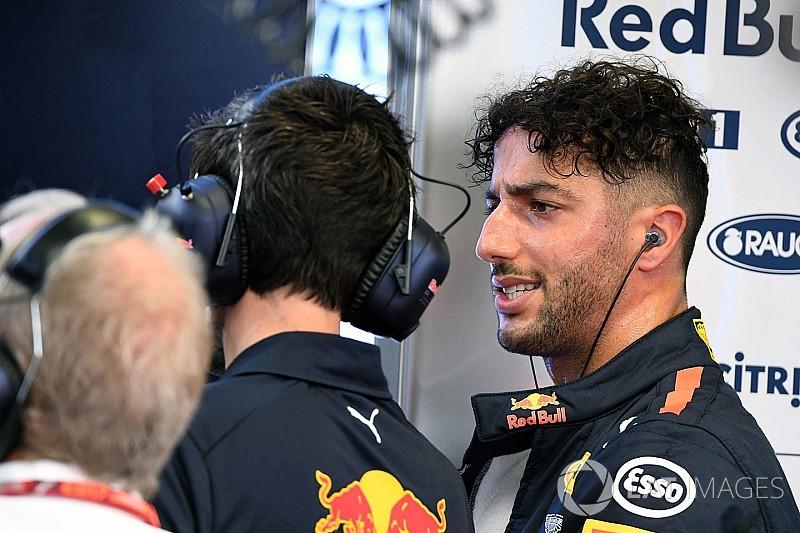 Ricciardo űridővel nyerte a második edzést Szingapúrban Verstappen és Hamilton előtt