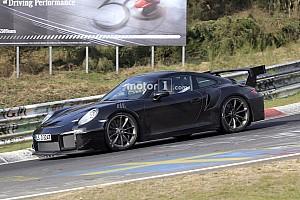 Automotive Nieuws Porsche 911 GT2 RS strekt de benen op de Nordschleife