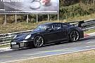 Automotive Porsche 911 GT2 RS strekt de benen op de Nordschleife