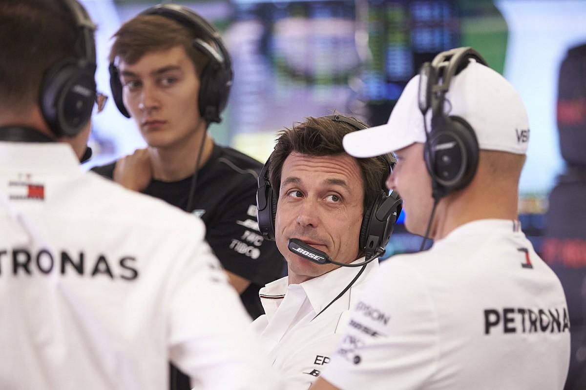 A Mercedes kitart a főstratéga mellett, nincs szükség változtatásra