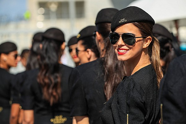 Fotogallery: le grid girl del GP di Abu Dhabi di Formula 1