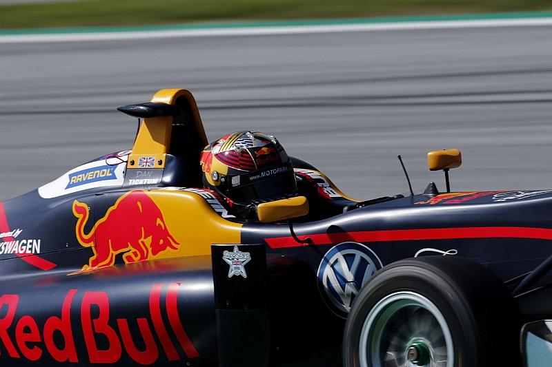 A svájci versenyzőnő inkább a Red Bull fejlesztési modelljét választaná a W Series ellenében