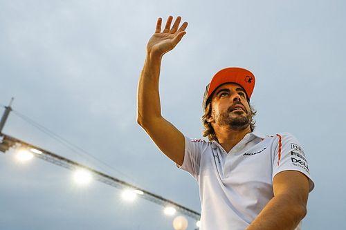 """Verstappen: """"Alonso gerçek bir savaşçı"""""""