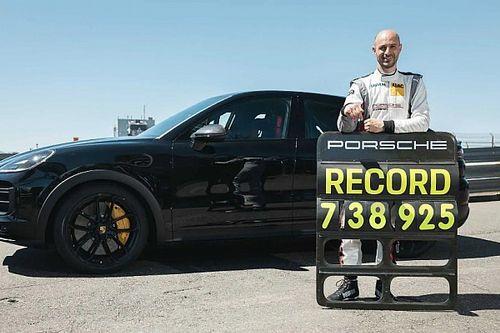Egy új Porsche Cayenne-variáns hatalmas SUV-rekordot futott a Nürburgringen