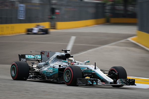 Formula 1 Breaking news Mercedes flaws won't be fixed in 2017 - Hamilton