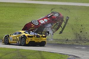 Ferrari En iyiler listesi Galeri: Ferrari Challenge'da korkutucu kaza