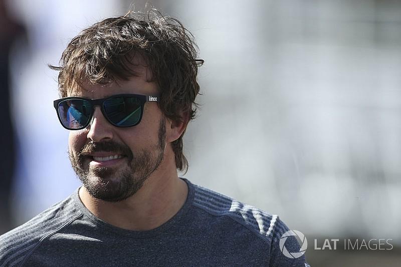 ألونسو يعترف بحصوله على عروضٍ من فرق أخرى في الفورمولا واحد