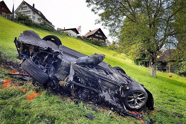FIA eist opheldering over crash Hammond