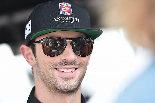 Rossi tetap di IndyCar untuk musim balap 2017