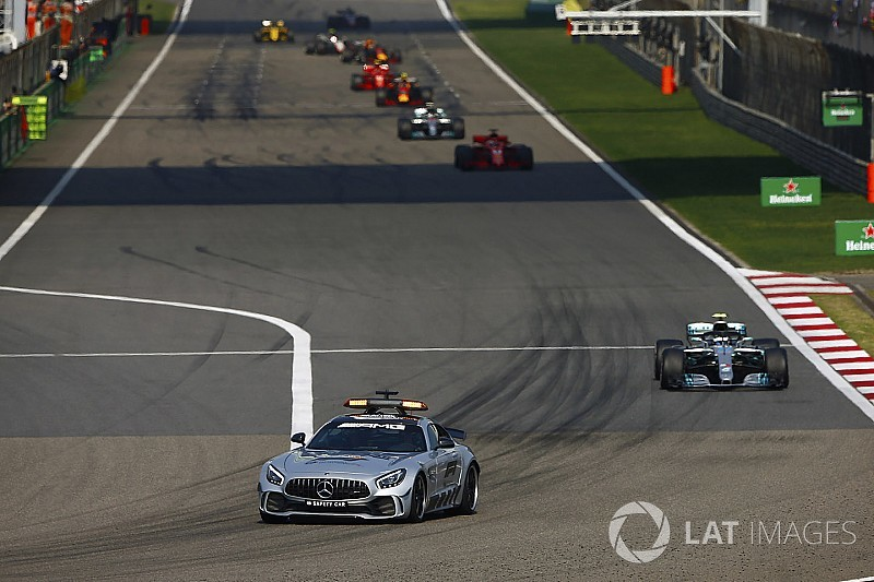Vettel en Bottas balen van timing safety car