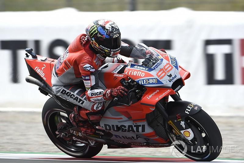Lorenzo aproveita boa fase e é pole na Catalunha