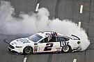 NASCAR Cup Кеселовски выиграл гонку NASCAR на «Мартинсвилль Спидвей»