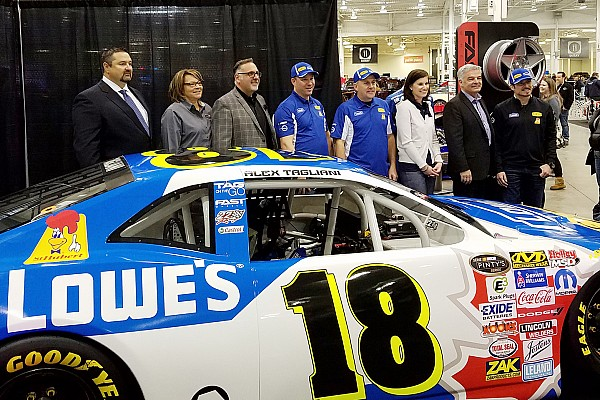 NASCAR Canada Breaking news Motorama show offers Canadian fans chance to warm up for race season
