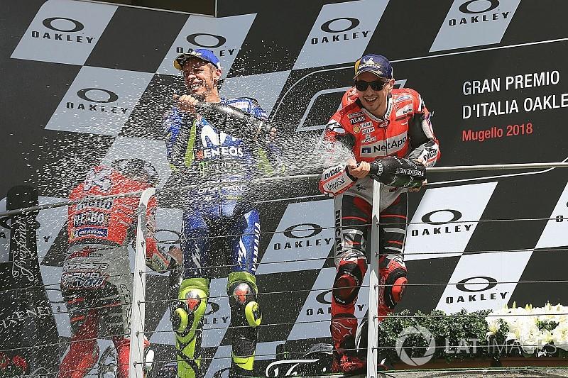Rossi: Lorenzo masih berpeluang dalam pertarungan gelar