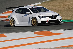 Supercars team adds Renaults to TCR Australia roster