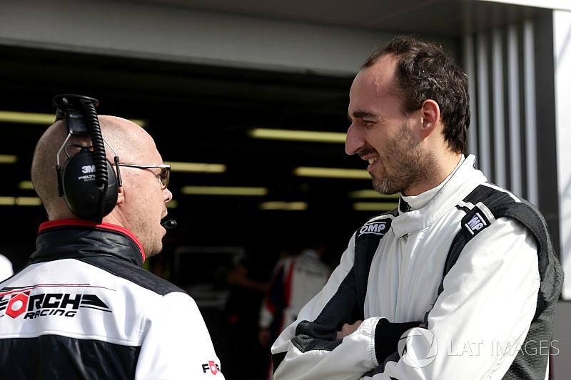 Kubica tests Formula E car at Donington Park