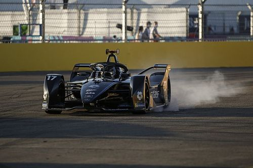 "Mercedes' De Vries fined €5000 for causing ""dangerous situation"""