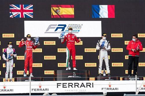Vidales gana en el estreno de la Fórmula Regional by Alpine en Imola
